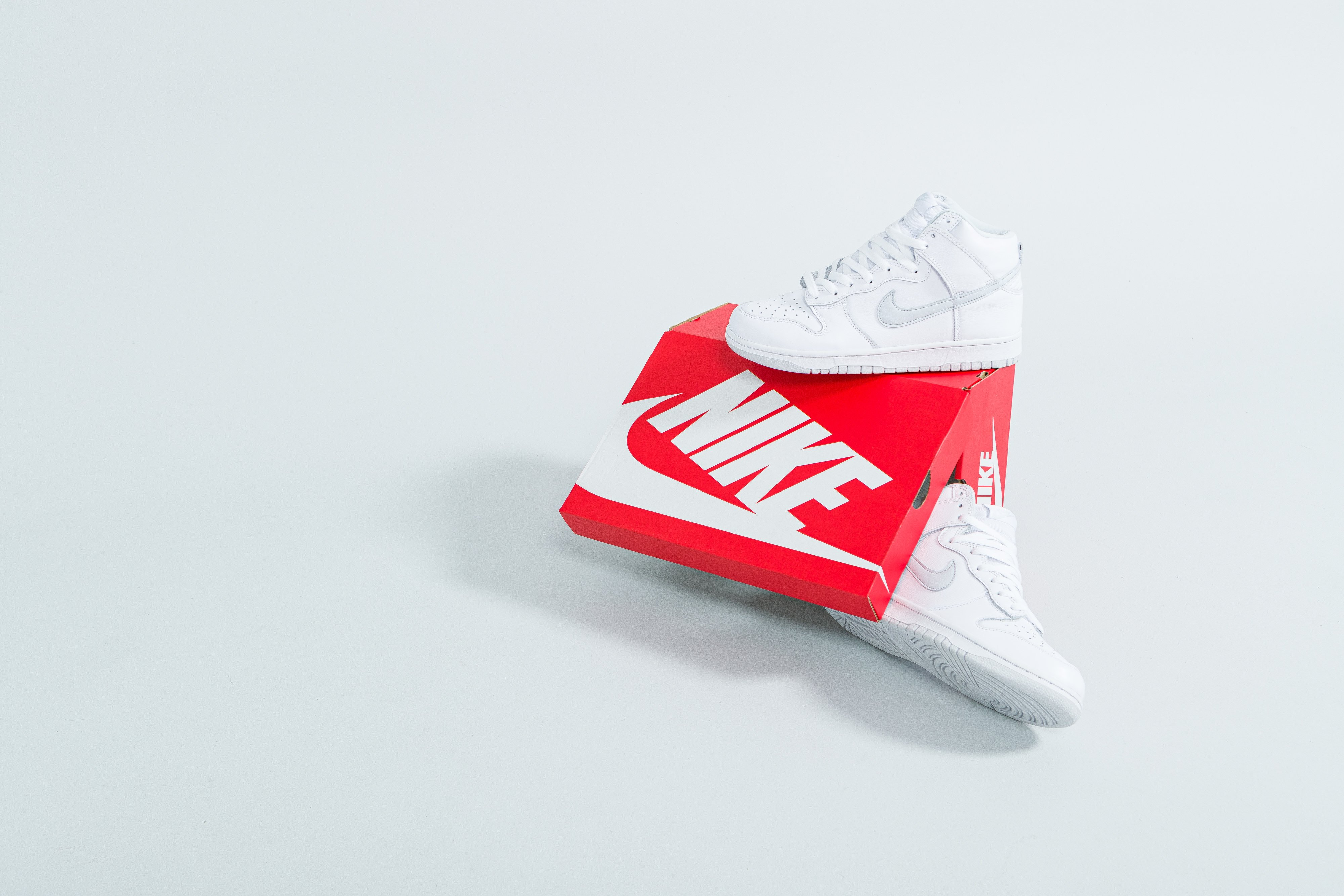 Nike - Dunk Hi SP - White/Pure Platinum - Up There