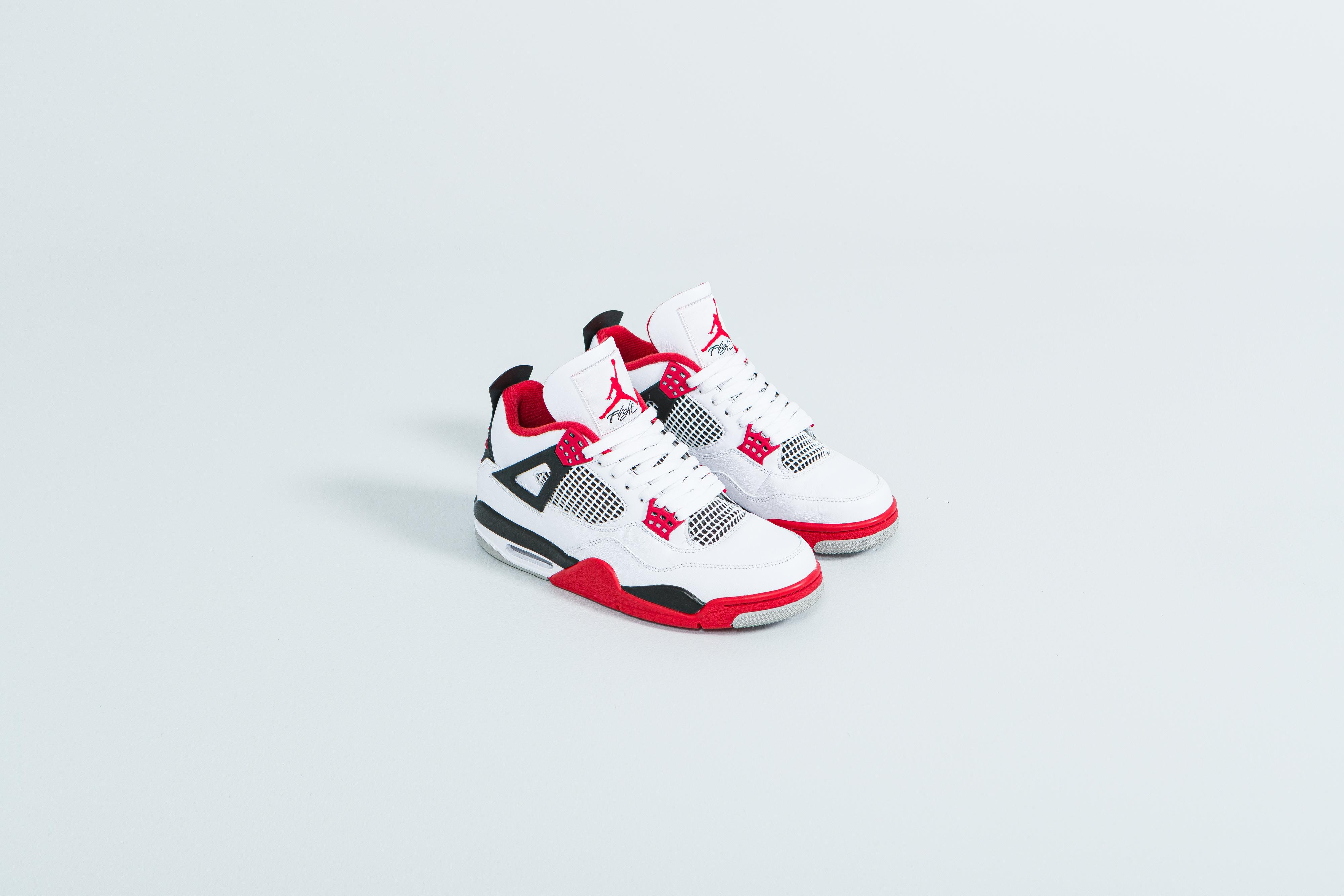 Jordan - Air Jordan 4 Retro GS - White/Fire Red-Black-Tech Grey - Up There