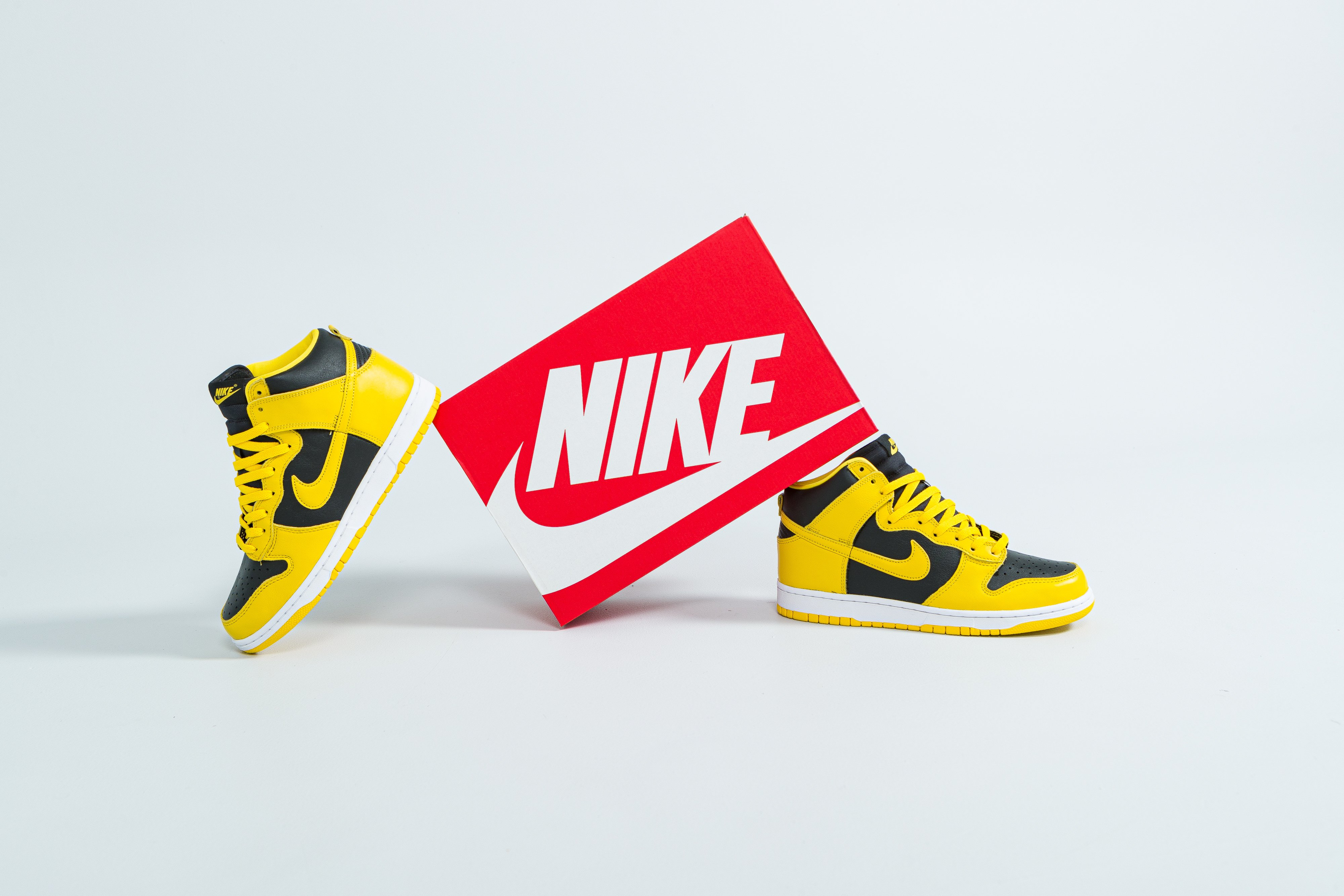 Nike - Dunk Hi SP - Black/Varsity Maize - Up There