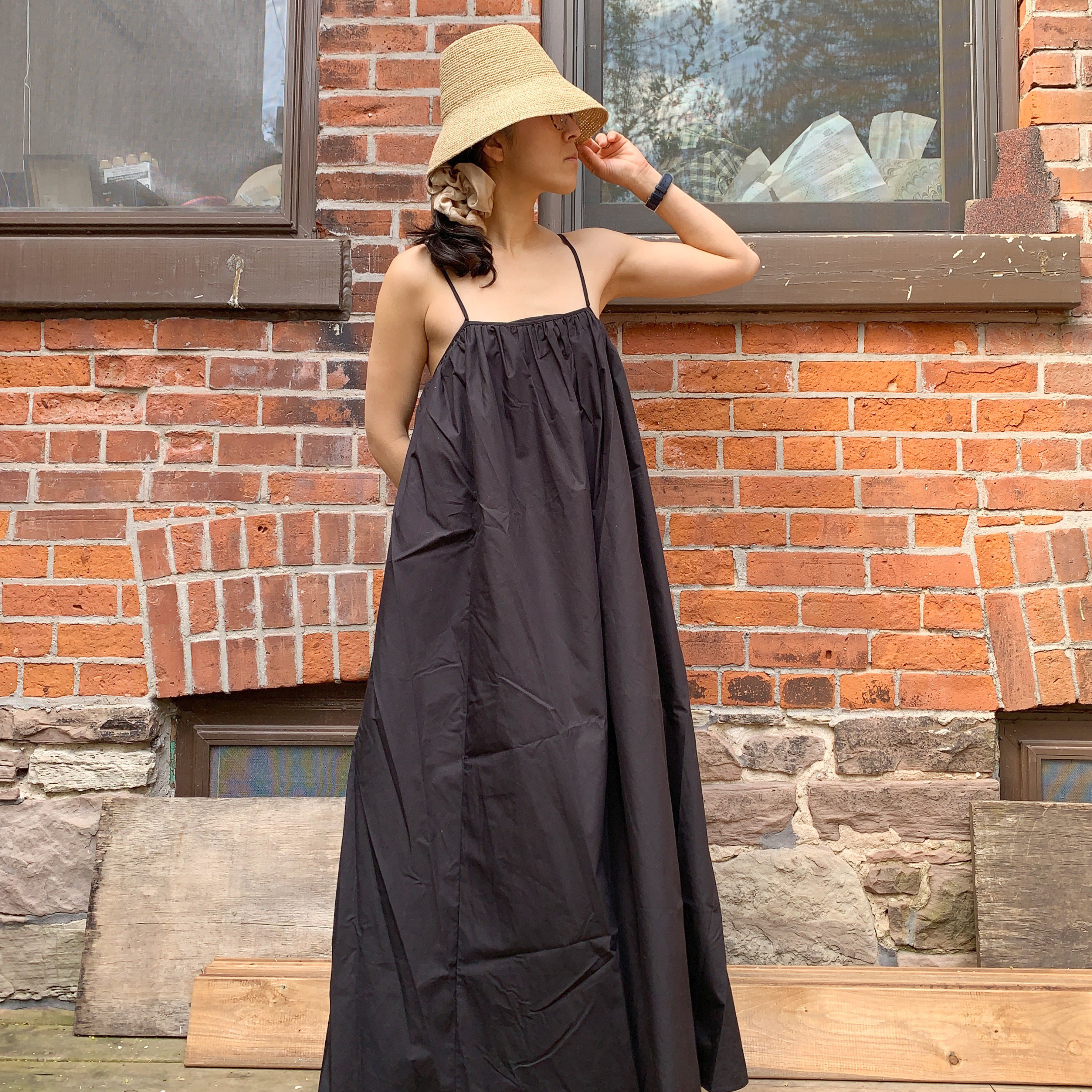 https://shainamote.com/products/hyeres-dress-in-onyx
