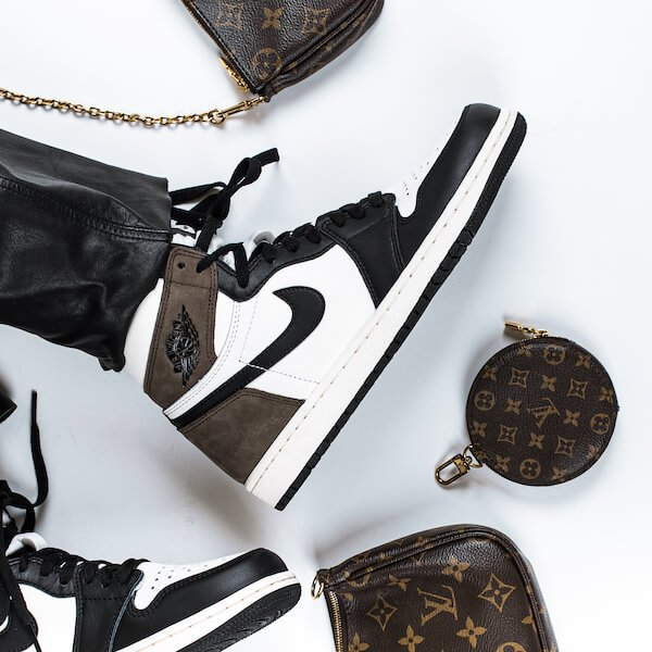 Air Jordan 1 High Dark Mocha - 555088-105
