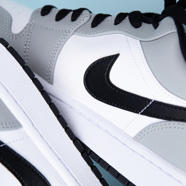 Air Jordan 1 Low Light Smoke Grey - 553558-030