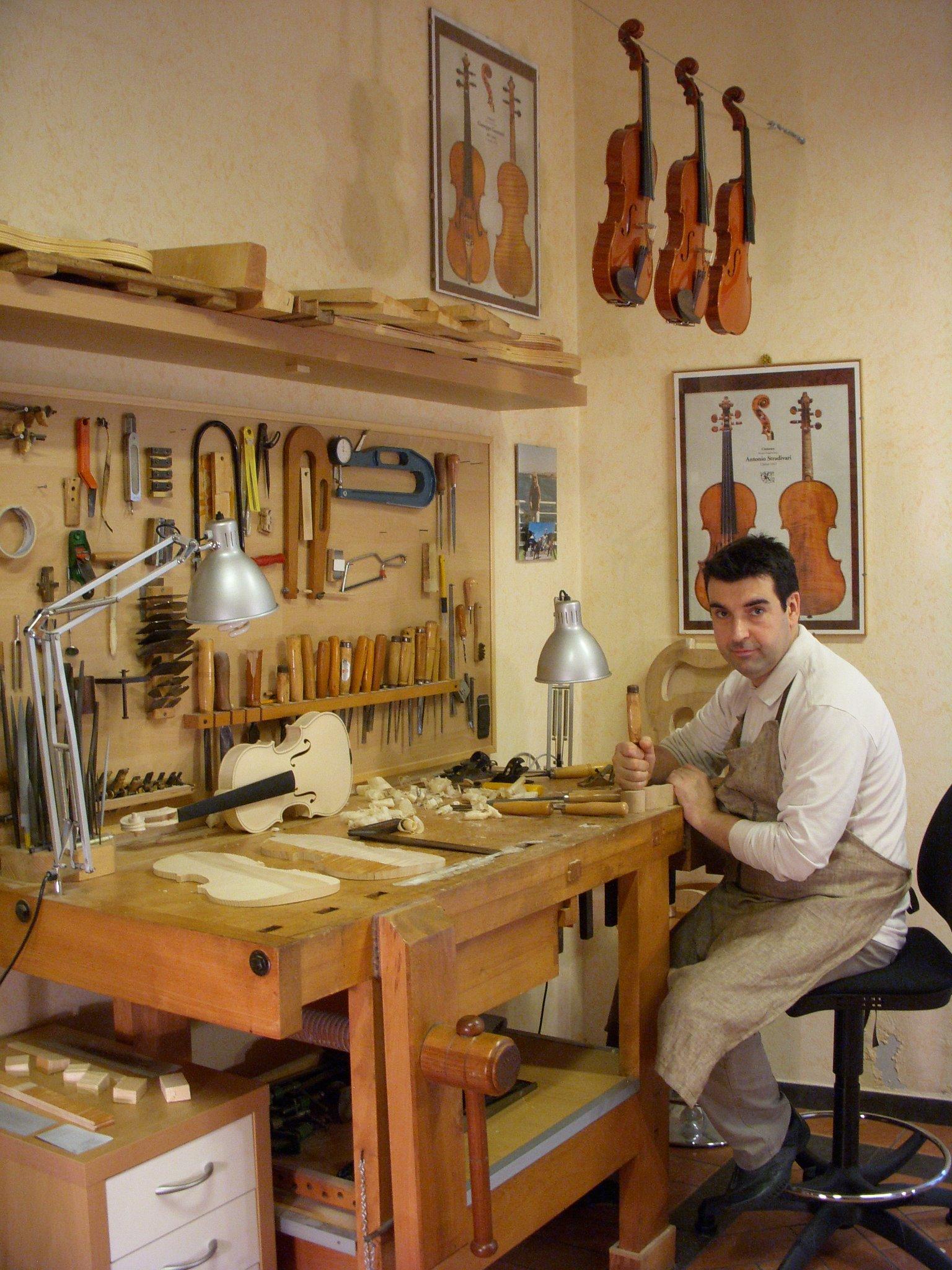 Sandro Asinari Violin in action