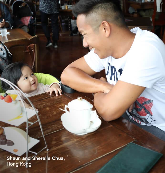 https://cdn.accentuate.io/48308387893/11232691912757/KCCO-POD-toddler-sitting-ready-to-eat-at-table-692-x-725-ENG-v1607378418523.jpg?692x726