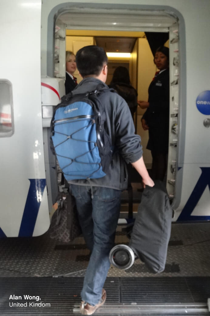 https://cdn.accentuate.io/49189879905/12466107220065/KCCO-NANO-folded-carry-on-boarding-plane-692-x-1038-ENG-v1607375561499.jpg?692x1038