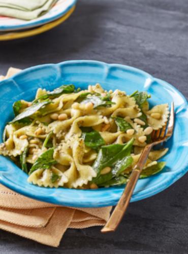 Spinach, Pine Kernel & Vegan Basil Pesto Pasta Salad