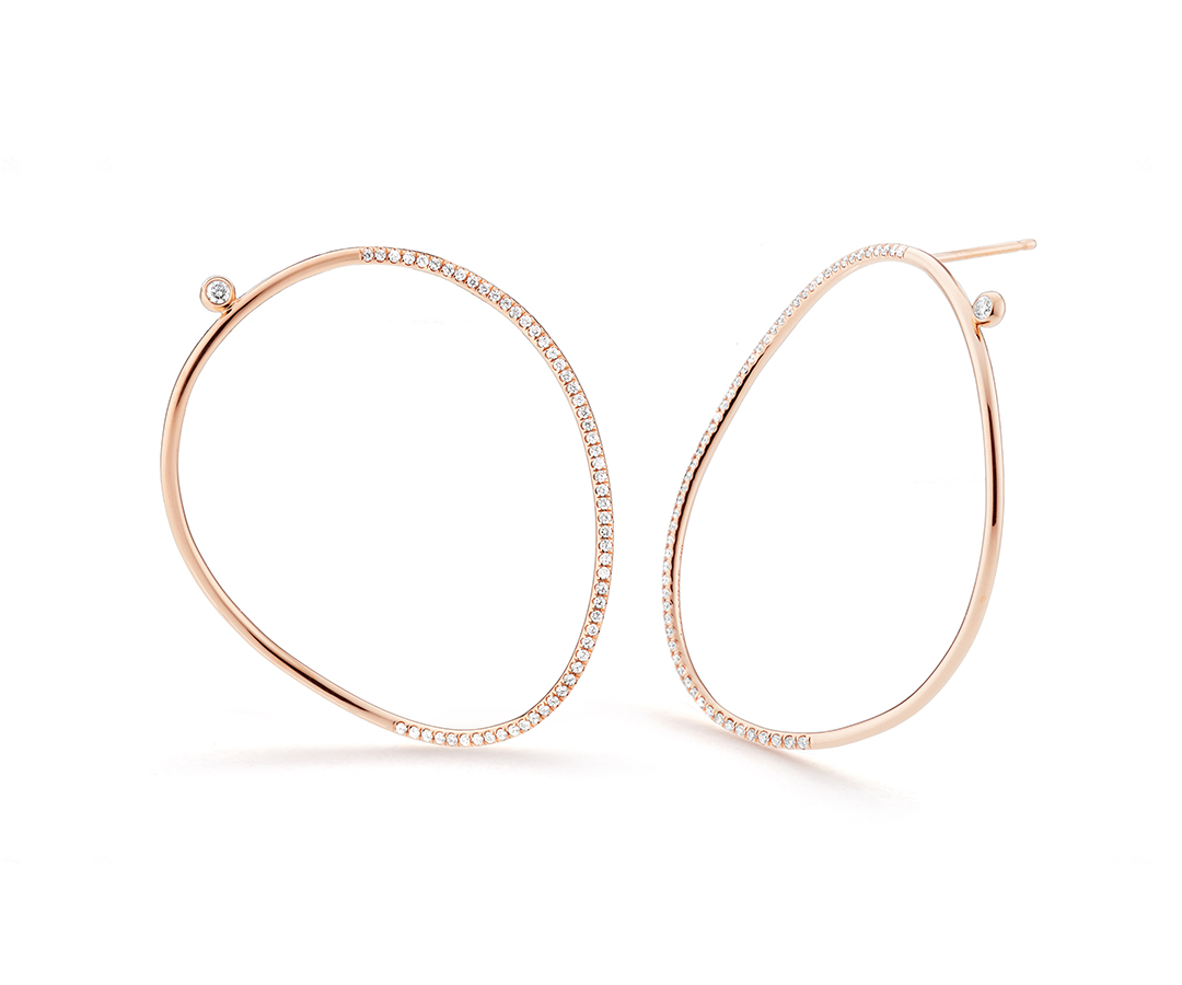 Hand pulled rose gold creates delicate curves and artful links.