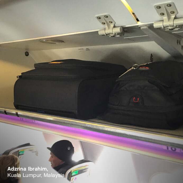 https://cdn.accentuate.io/51169820717/14425876234285/KCCO-SKYRIDER-stowed-on-aeroplane-overhead-luggage-compartment-692-x-692-ENG-v1607375496231.jpg?692x693