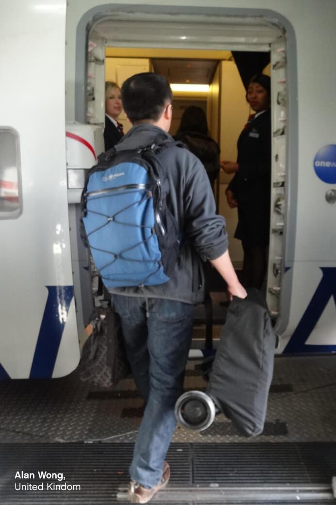 https://cdn.accentuate.io/51170115629/14425873154093/KCCO-NANO-folded-carry-on-boarding-plane-692-x-1038-ENG-v1607315678297.jpg?692x1038