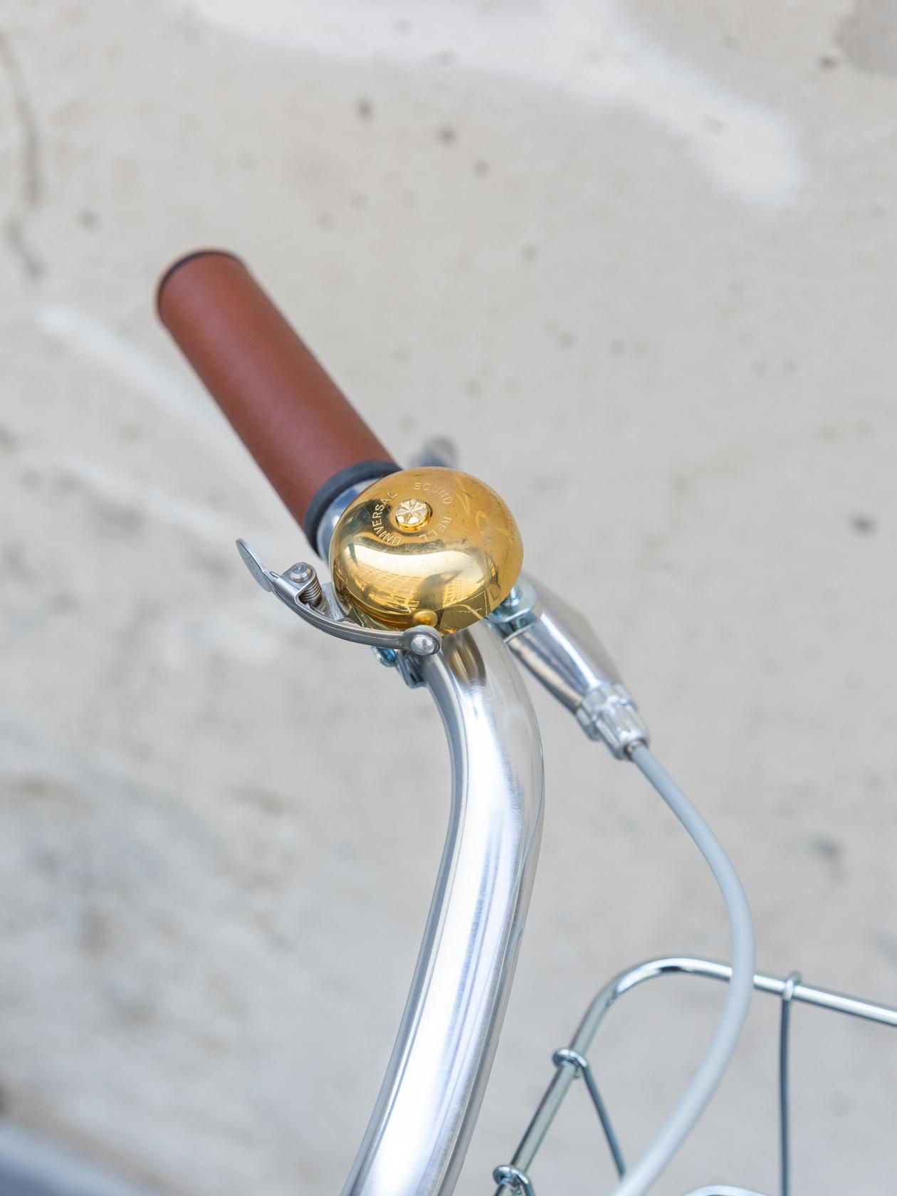 Universal Bell, Brass