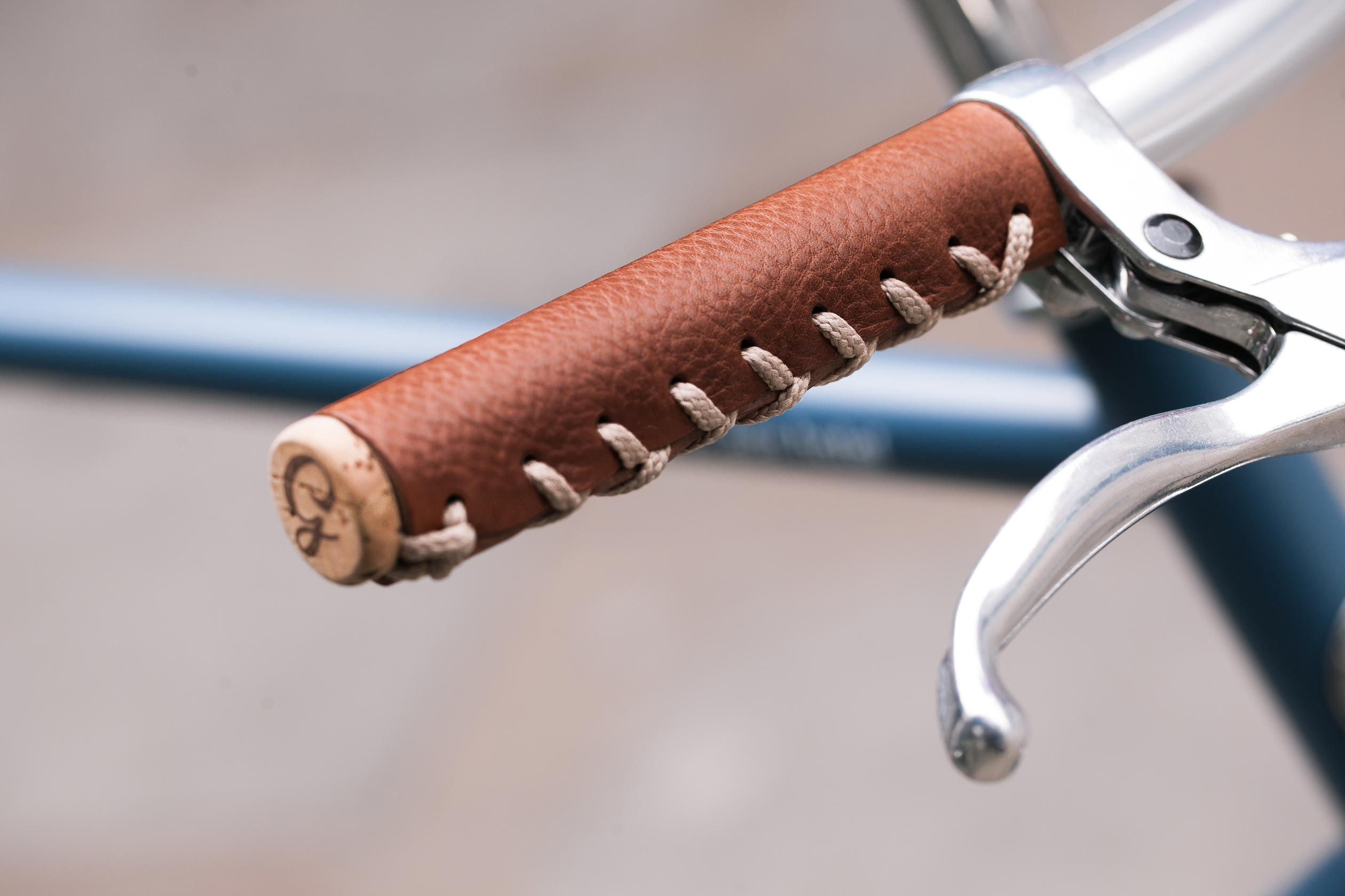Short Leather Grips, Brown