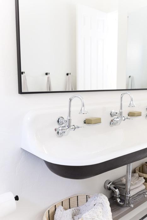The LifestyledCo #NolanDrProj Guest Bath