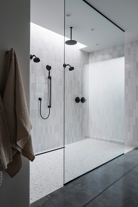 The LifestyledCo #ODLModernProj Primary Bath