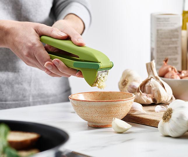 CleanForce Garlic Press