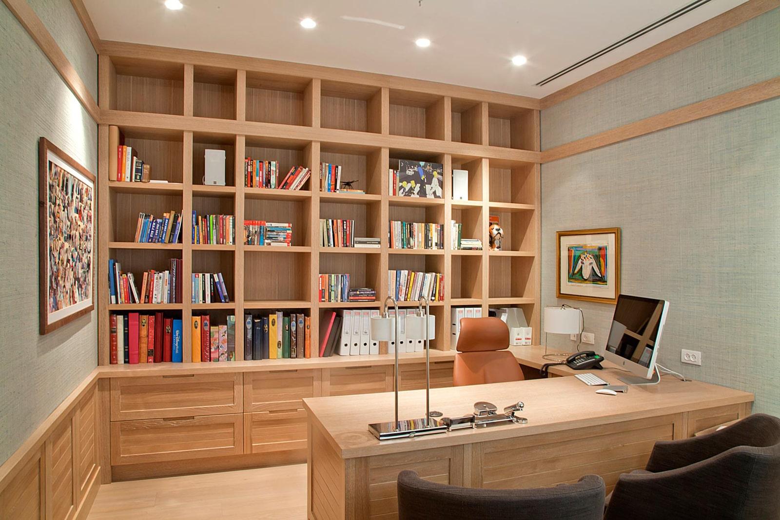 חדר שולחן עבודה כתיבה ספרייה ספריה אלון אירופאי דלתות מסגרת עץ ידית אינטגרלית