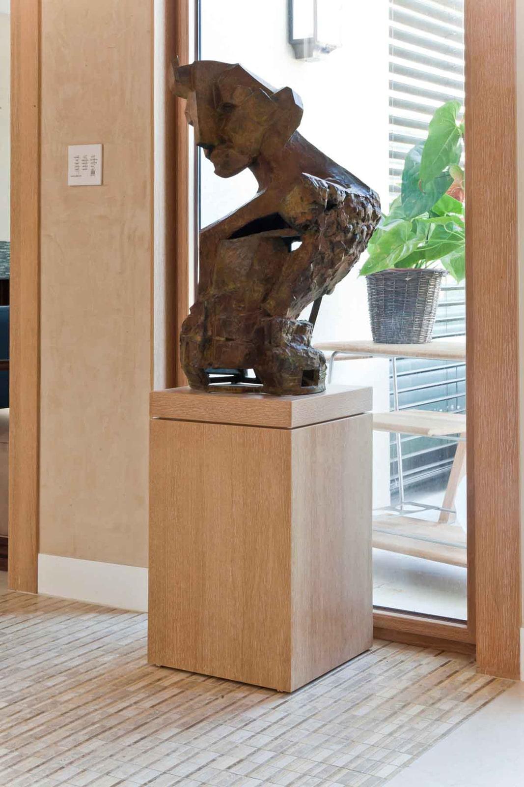 בסיס לפסל מעץ בנגרות