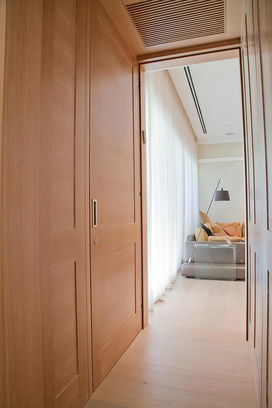 דלת כניסה אלון אירופאי ציר פנימי נכנסת שקועה
