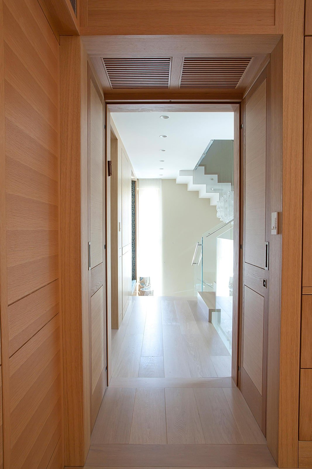 דלת כניסה ציר פנימי אלון אירופאי דלתות מסגרת