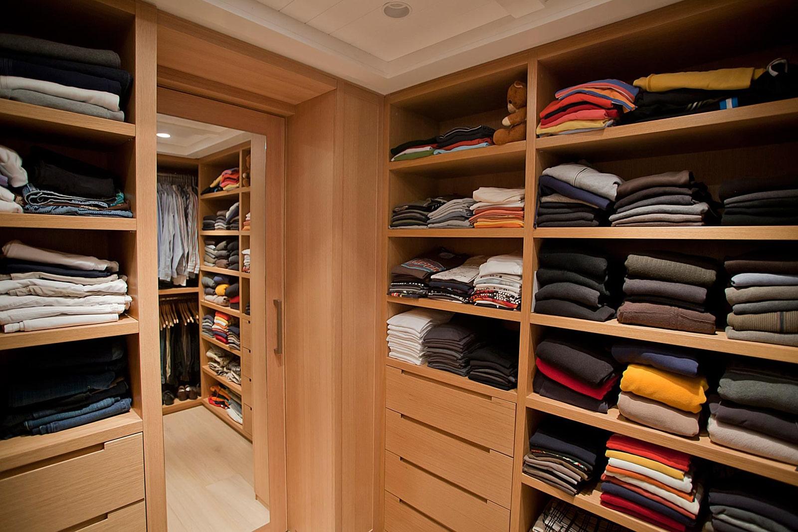 חדר ארונות בגדים אלון אירופאי