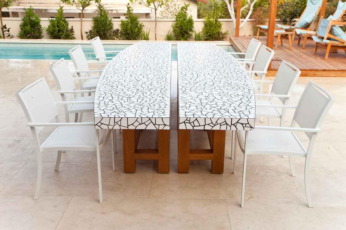 שולחן עץ טיק חוץ חצר גינה  פסיפס אוכל צמד שולחנות