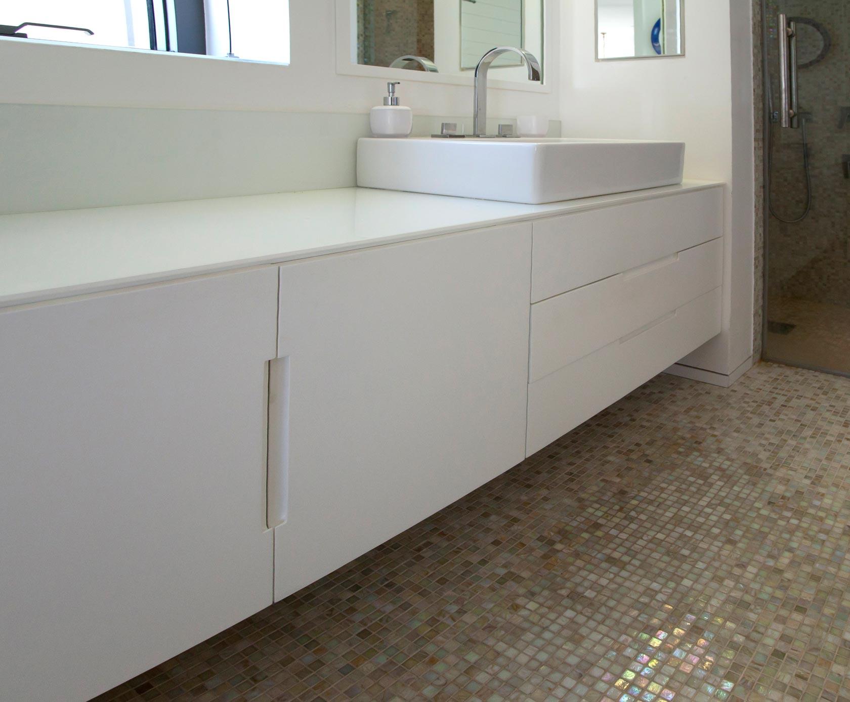 ארון כיור אמבטיה צבע אפוקסי ידית אינטגרלית