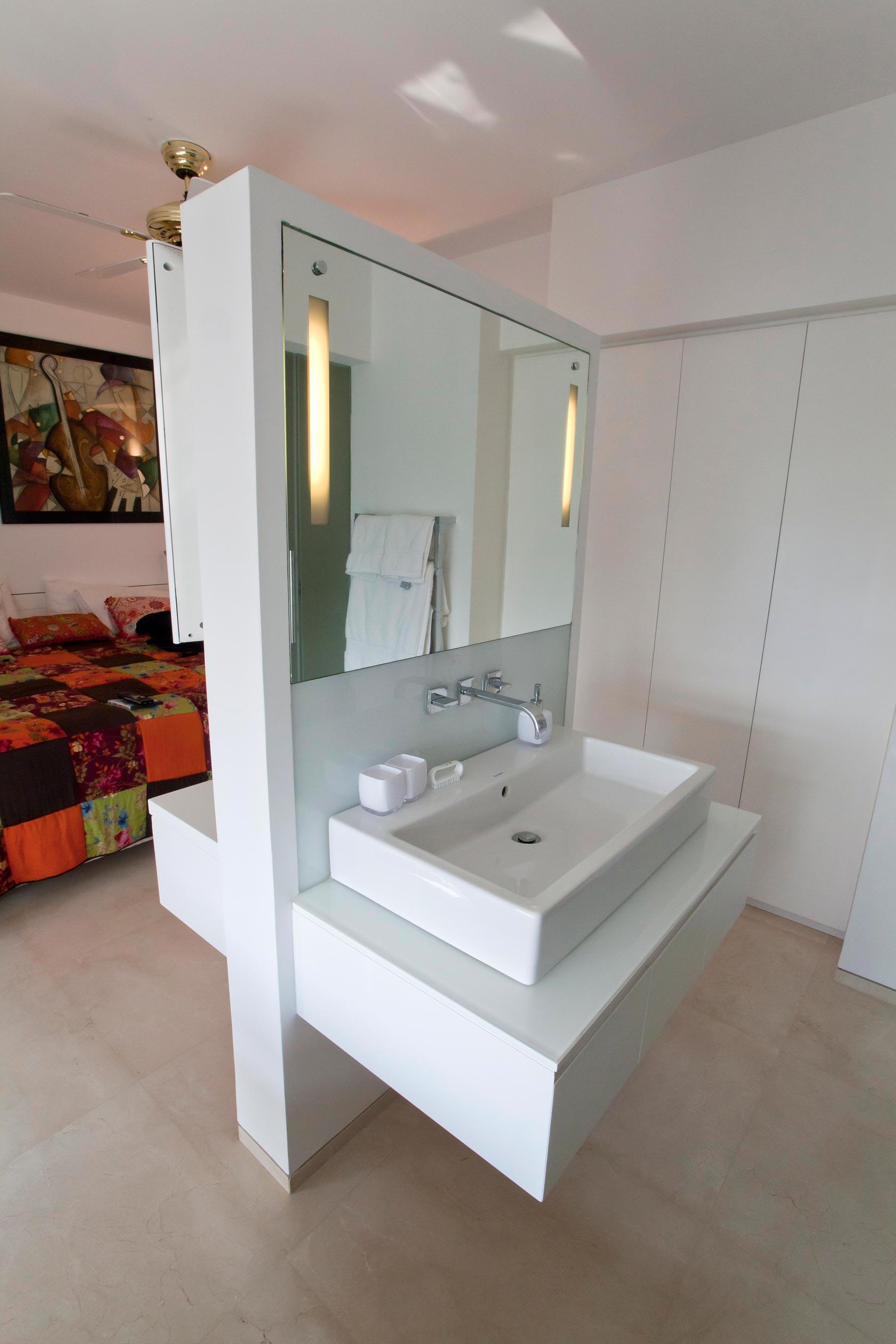 שידת אודיו טלויזיה TV ארון כיור אמבטיה צבע מט אפוקסי מראה תאורה (2)