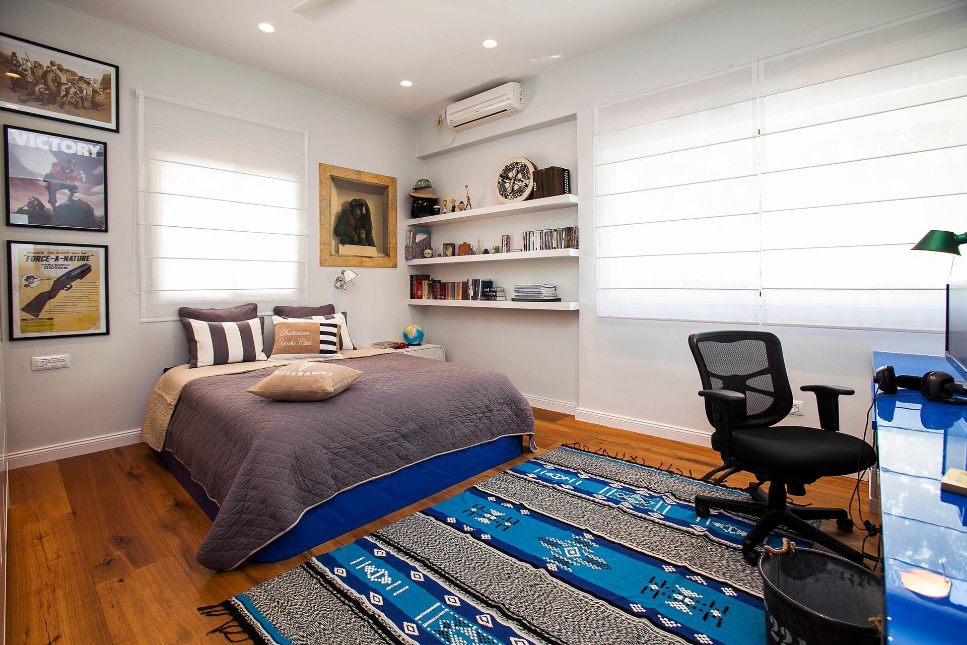חדר שינה מדפים נישה