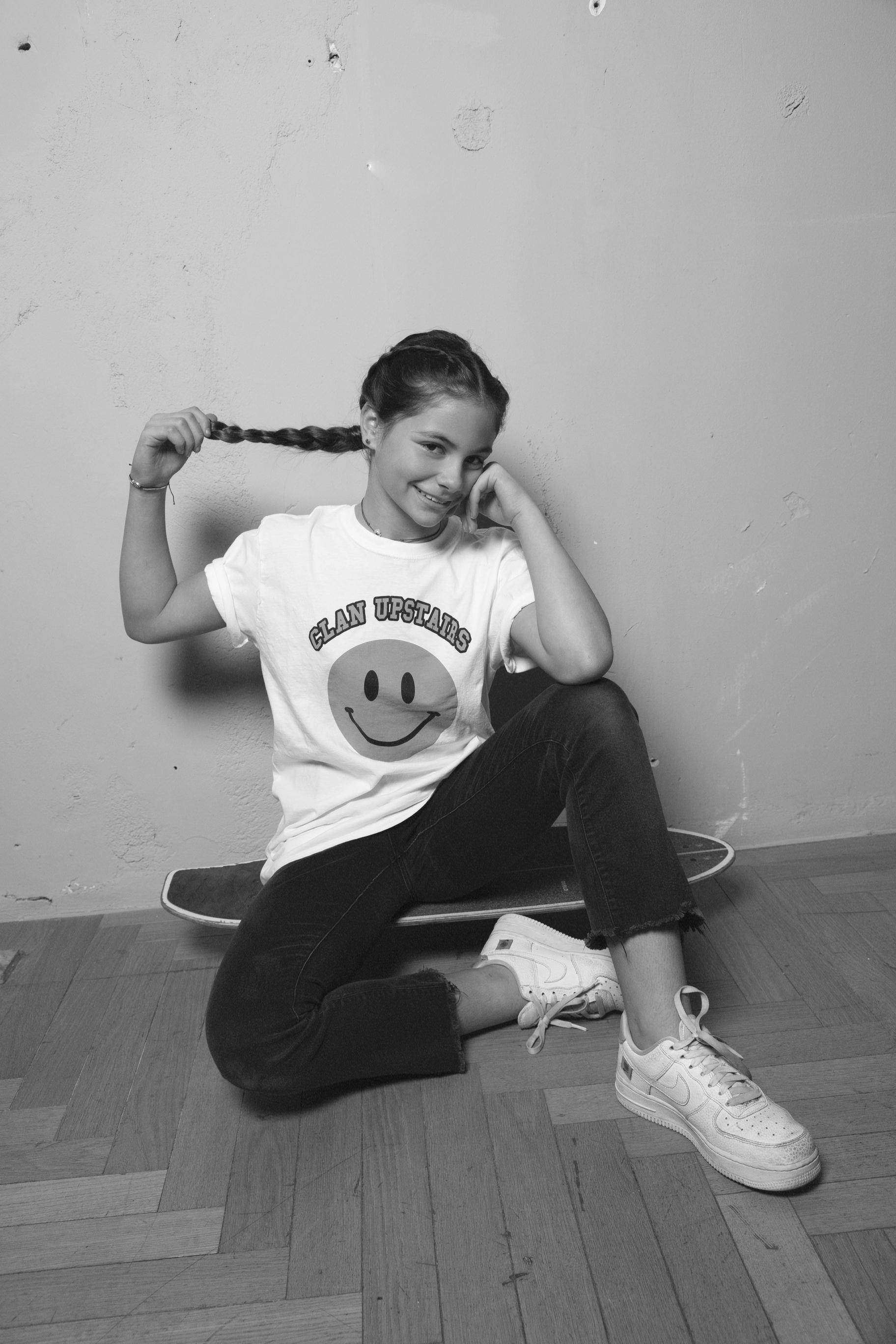CLAN UPSTAIRS_KIND OF SMILE_POTRAIT_SS21_BIANCA BISOGNO SPAAK.jpg