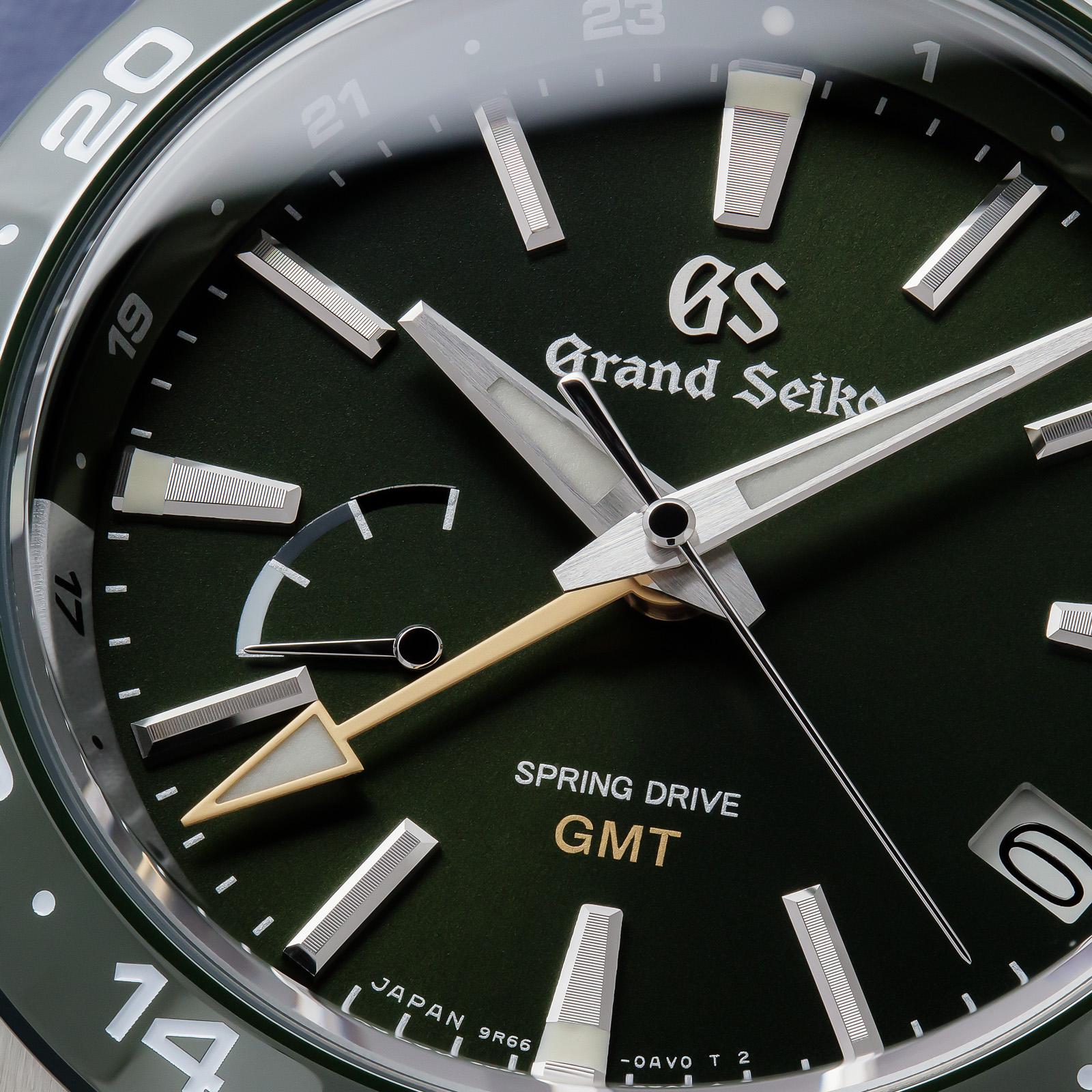 Grand Seiko SBGE257- macro of a green dial.