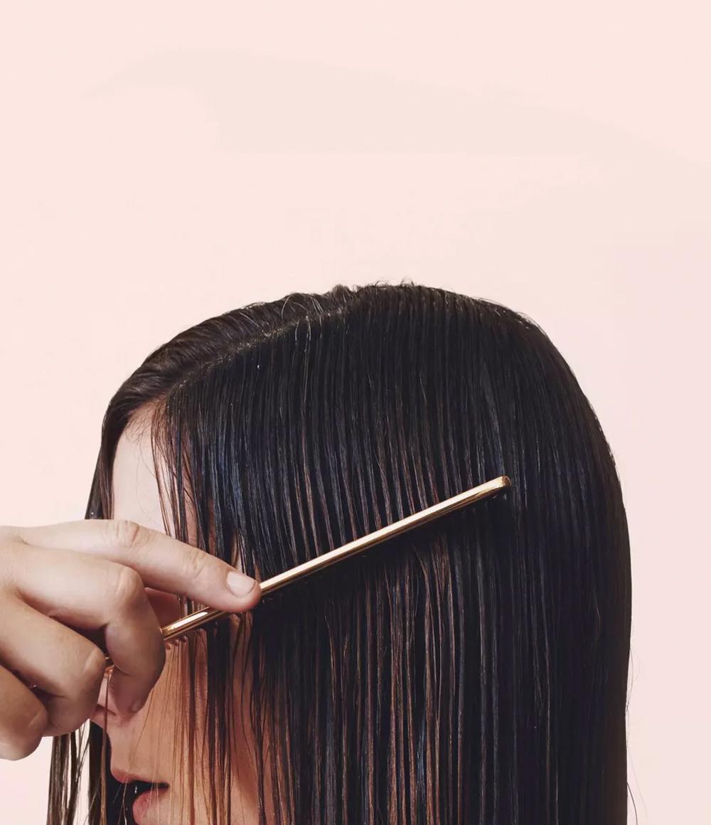 Kristin Ess Hair Extra Gentle Conditioner Lifestyle Image
