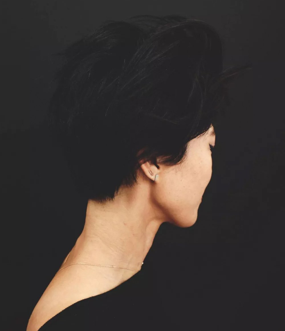Kristin Ess Hair Depth Defining Soft Matte Pomade Lifestyle Image