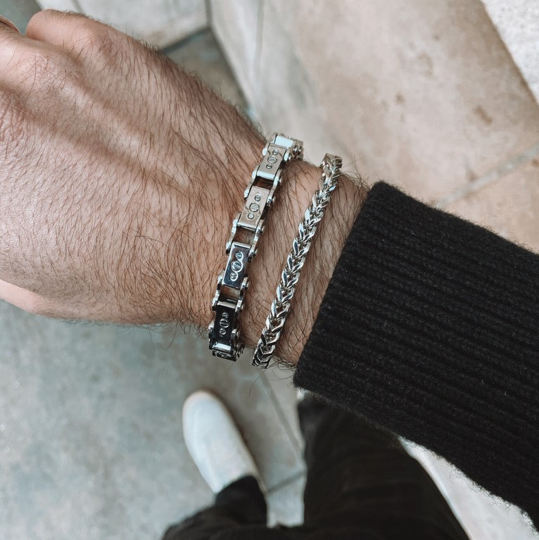 Close up of Men's Steel 9.5MM Bicycle Bracelet on man's wrist
