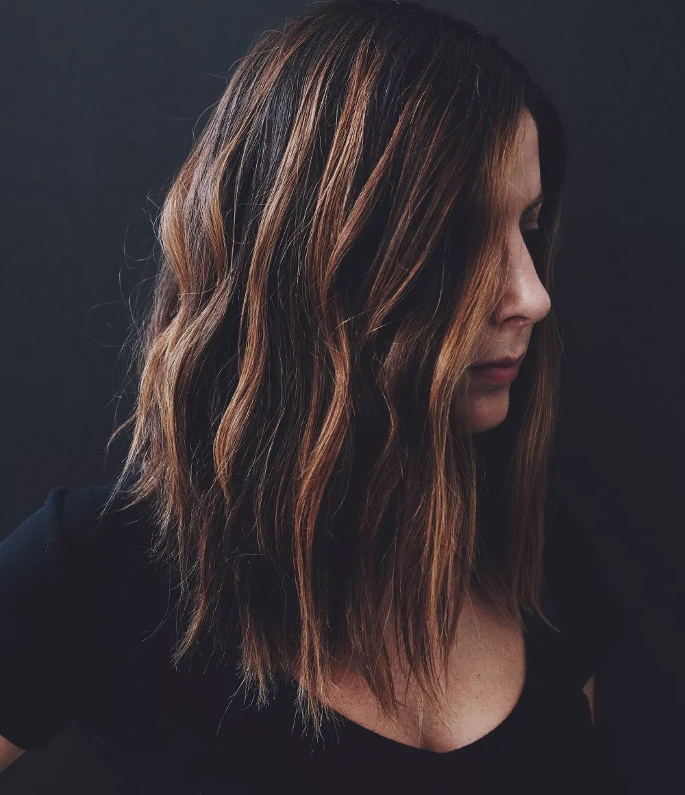 Kristin Ess Hair Brunette Dry Shampoo Lifestyle Image