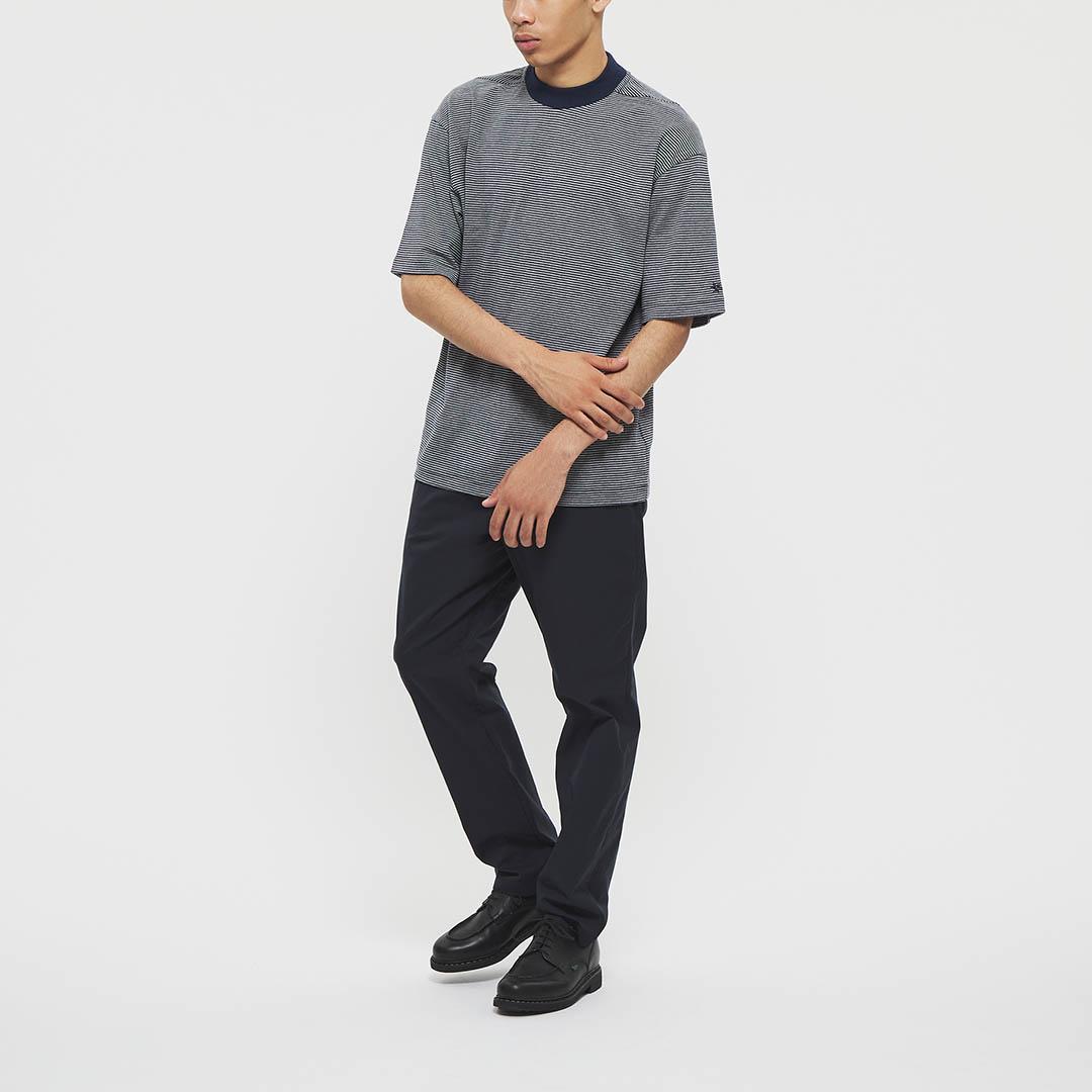 "Model: Height 5'8"" | Wearing: NAVY / M"