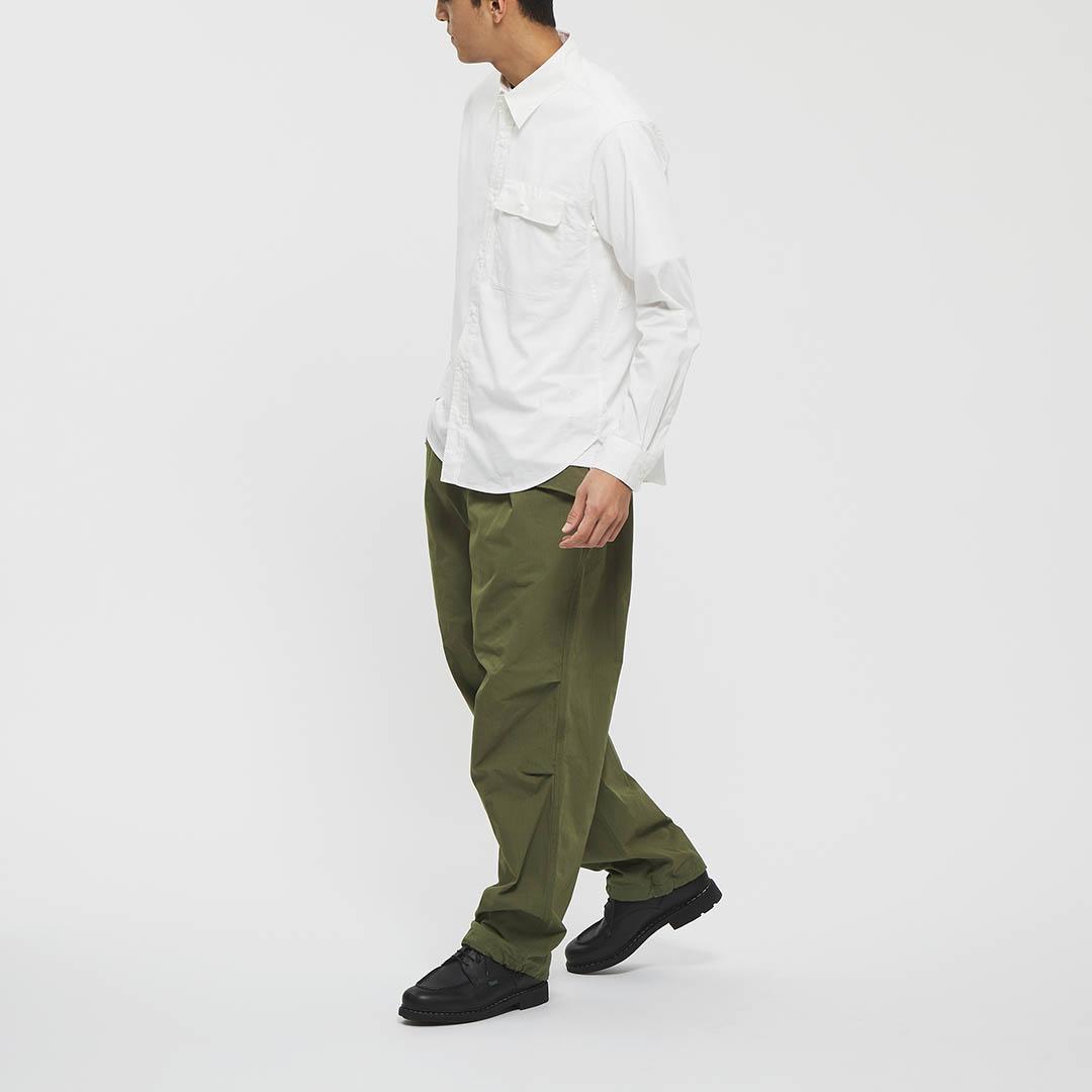 "Model: Height 6'0"" | Wearing: KHAKI / L"