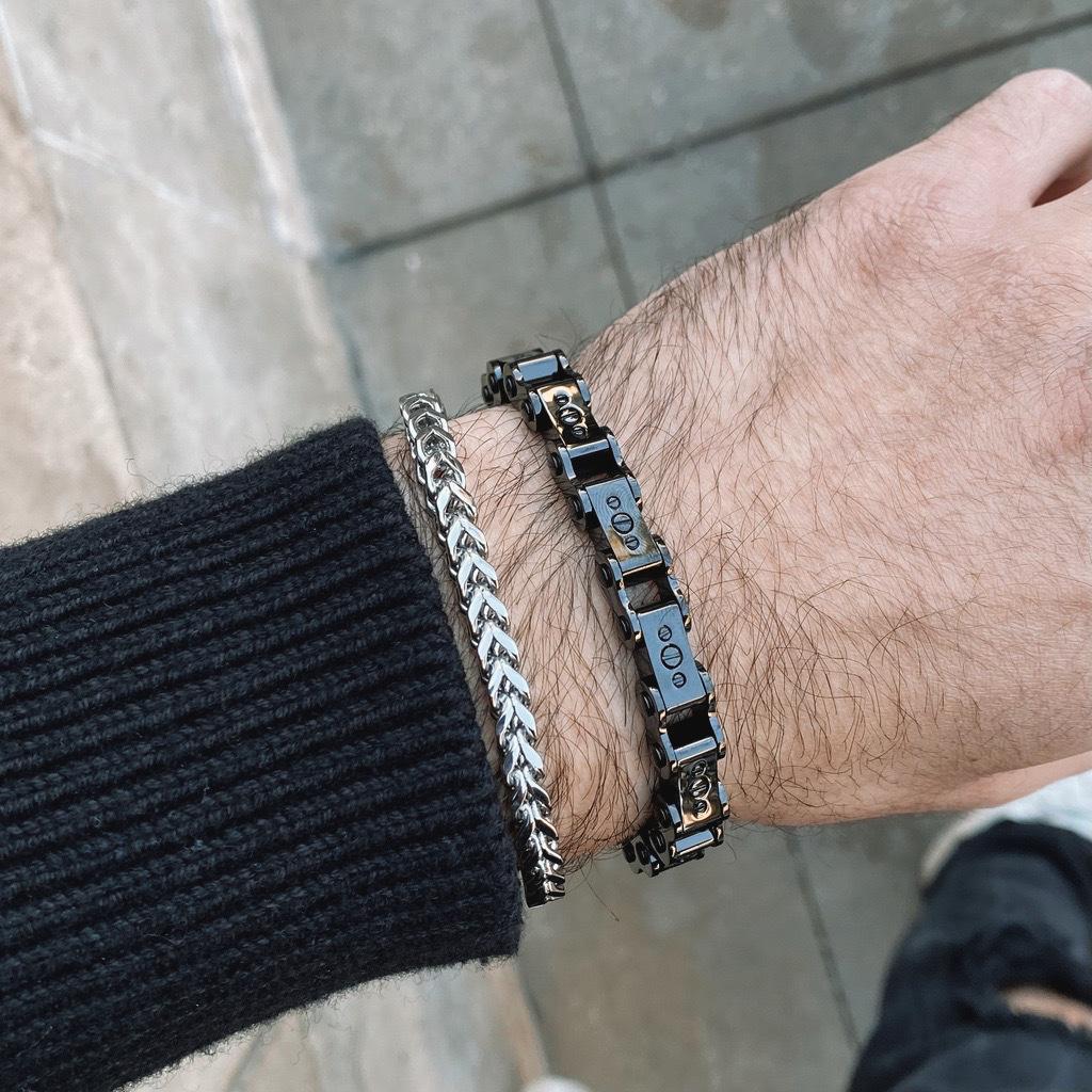 Detail of man wearing Franco Bracelet 5mm