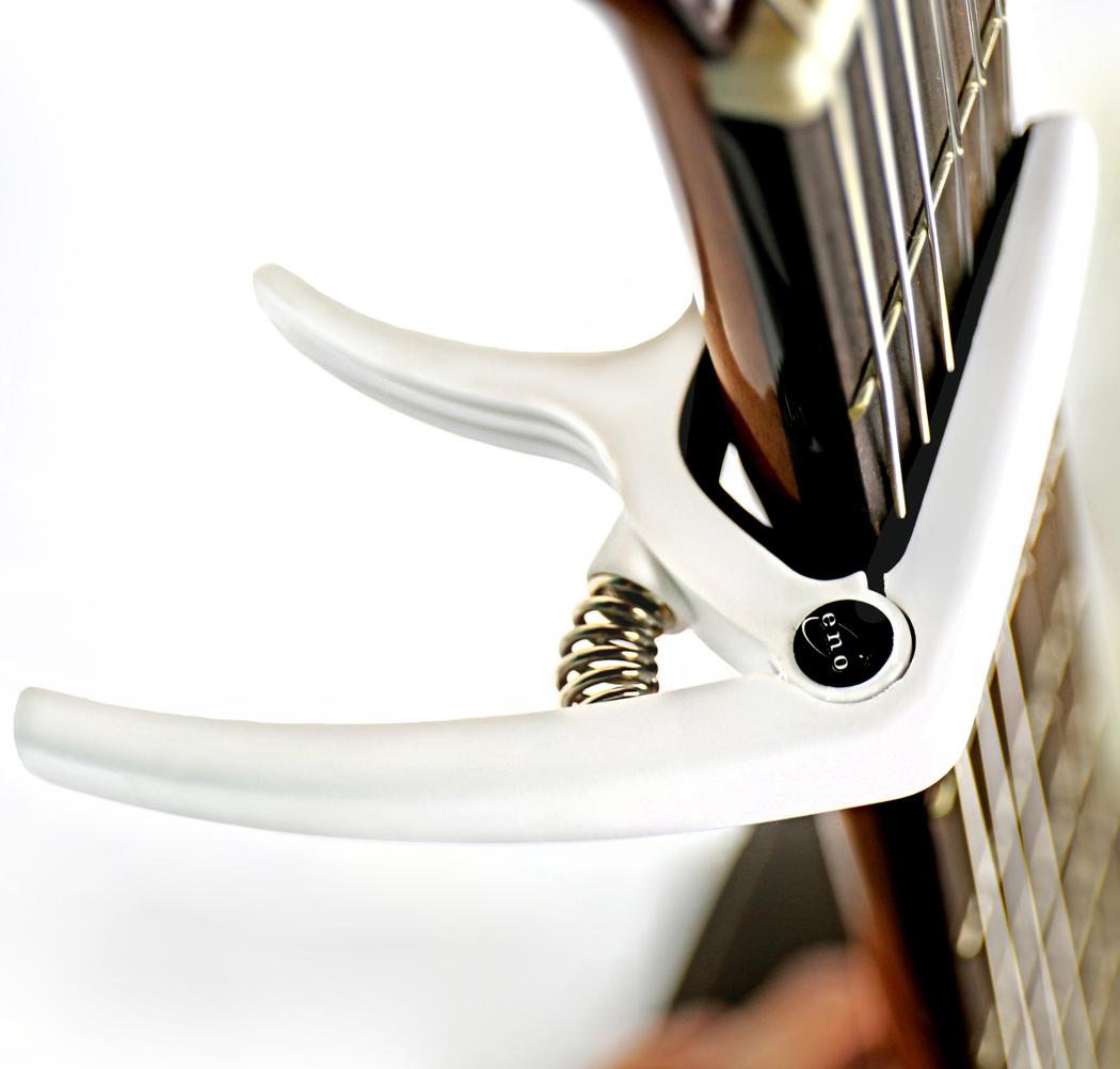 Eno EGC3 Quick-Change Guitar Capo in action