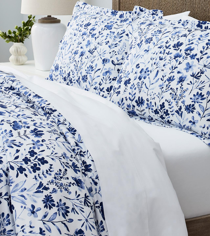 Straight on Bed with Classic Hemmed Hemmed Duvet Set in White