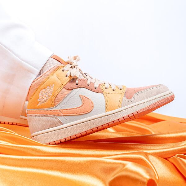 Air Jordan 1 Mid Apricot Orange - DH4270-800