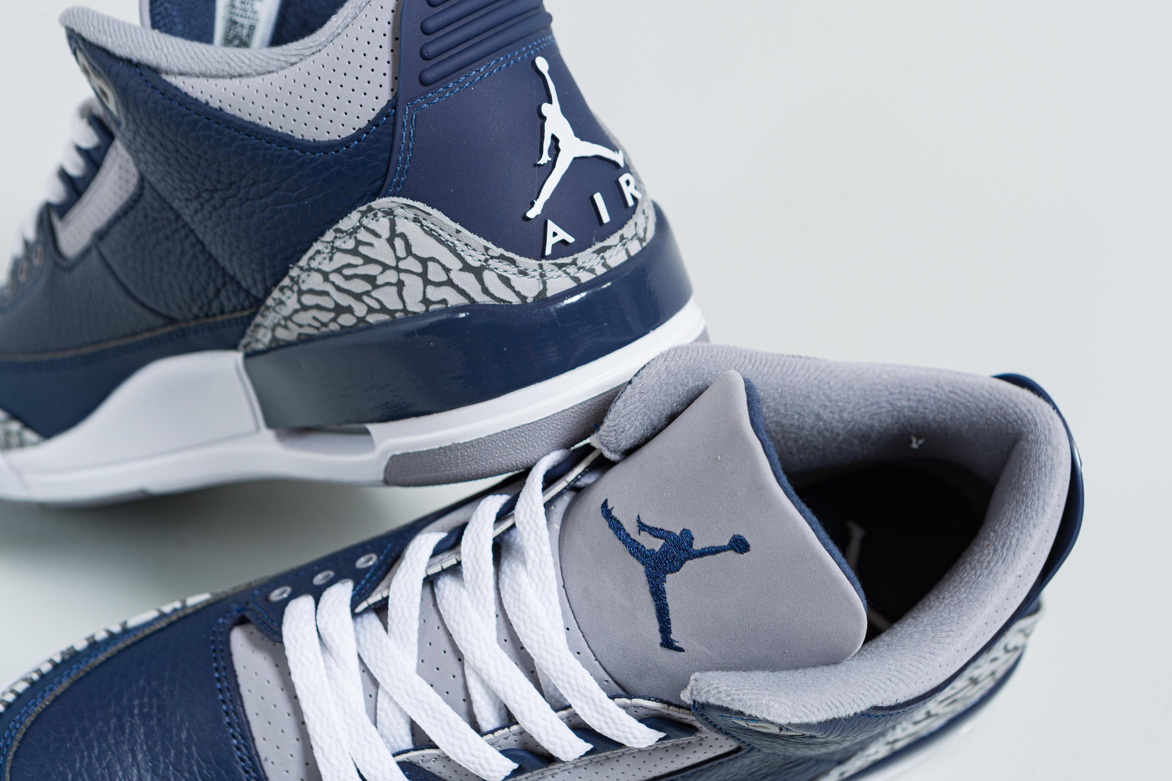 Jordan - Air Jordan 3 Retro - Midnight Navy/White-Cement Grey - Up There
