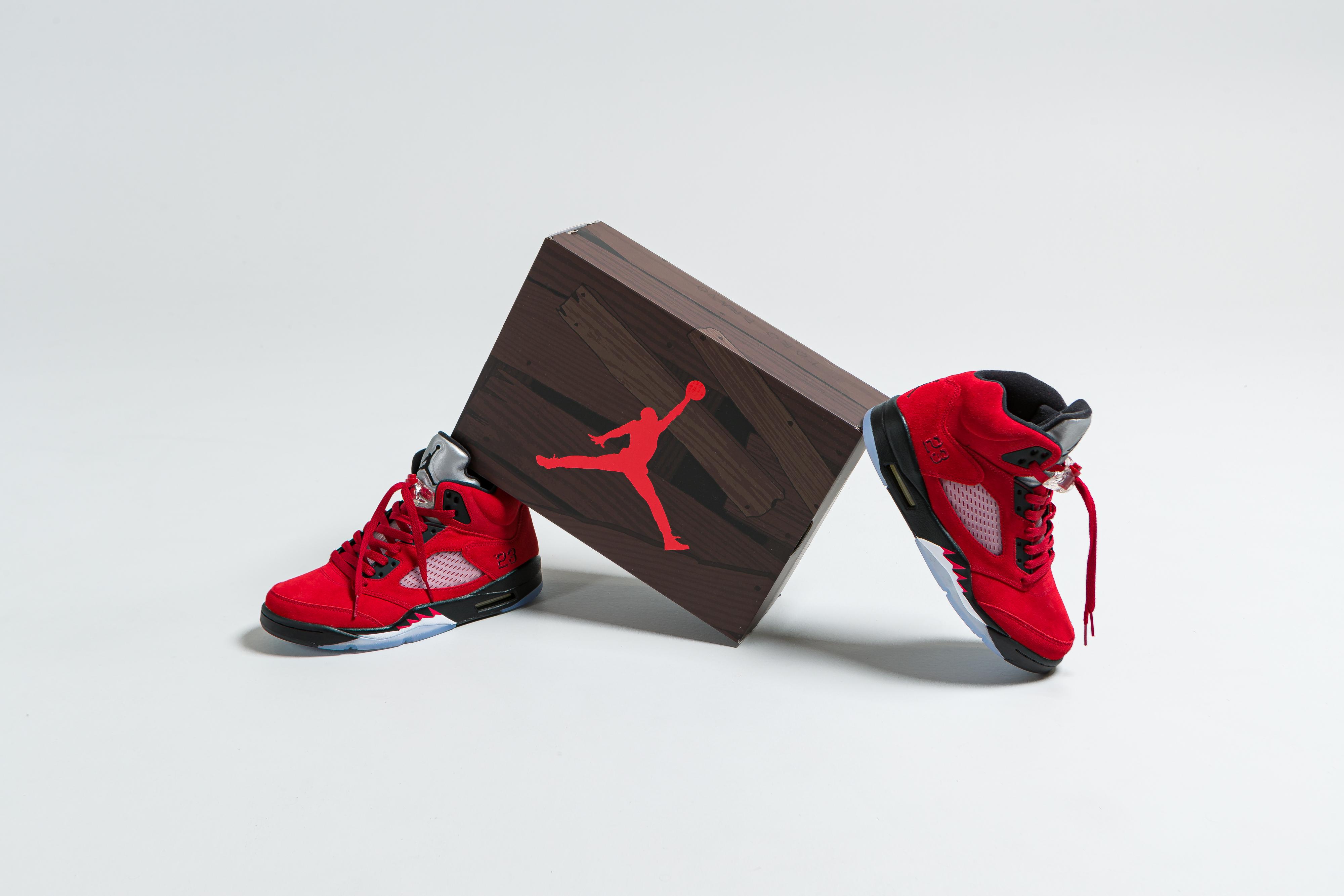 Jordan - Air Jordan 5 Retro - Varsity Red/Black-White - Up There