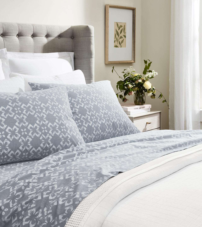 Chambray Cotton Tile Pillowcase Set | Boll & Branch®
