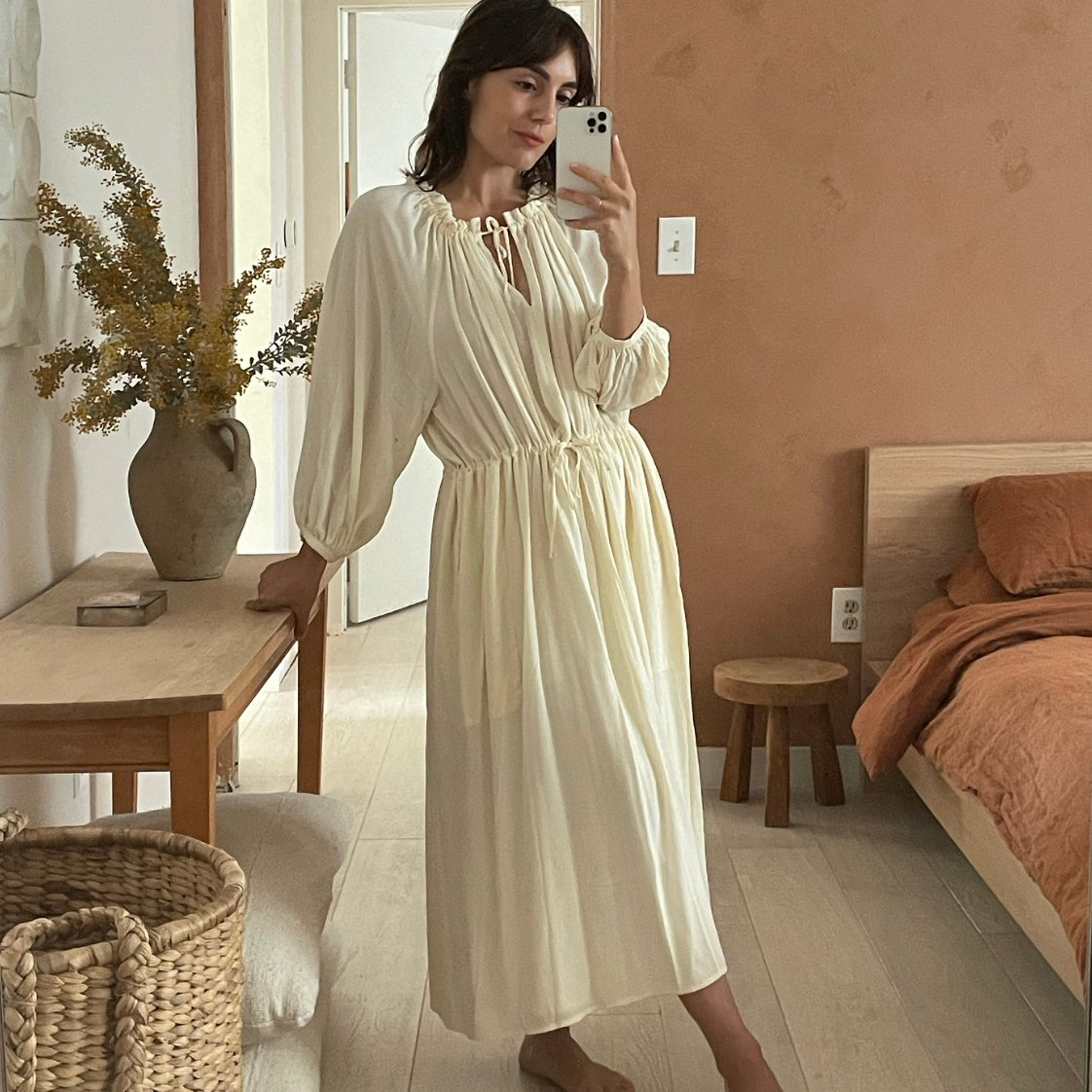 https://shainamote.com/products/lucqa-dress-in-ivory