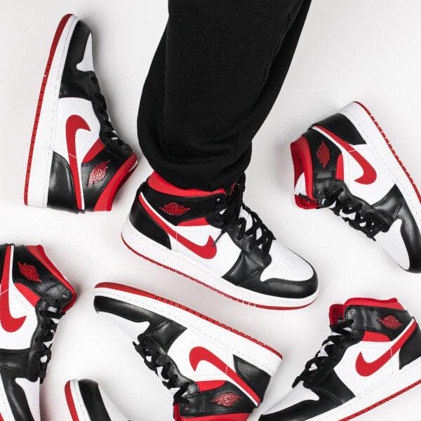 Air Jordan 1 Mid Gym Red Black White - 554724-122