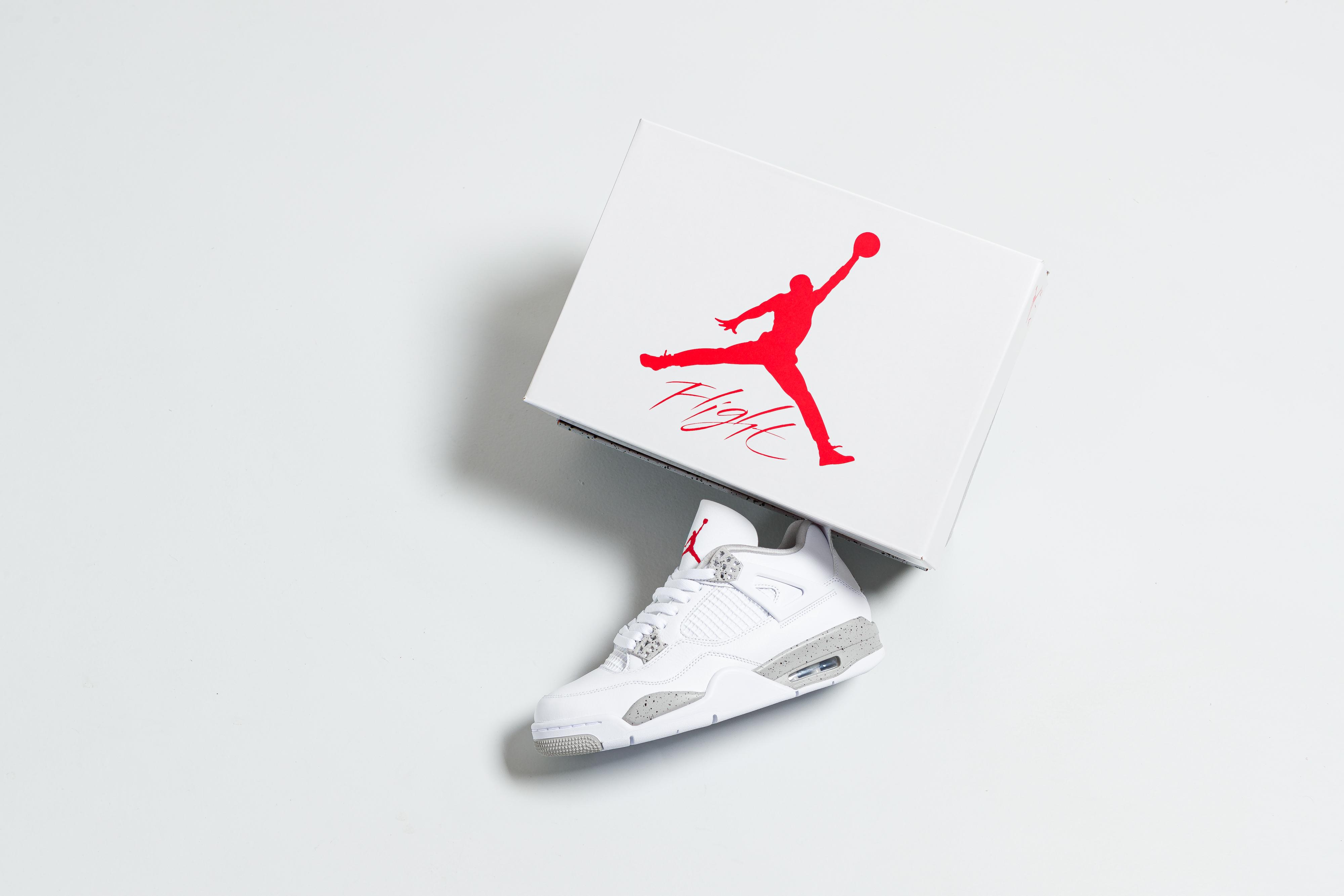Jordan - Air Jordan 4 Retro - White/Tech Grey-Black-Fire Red - Up There