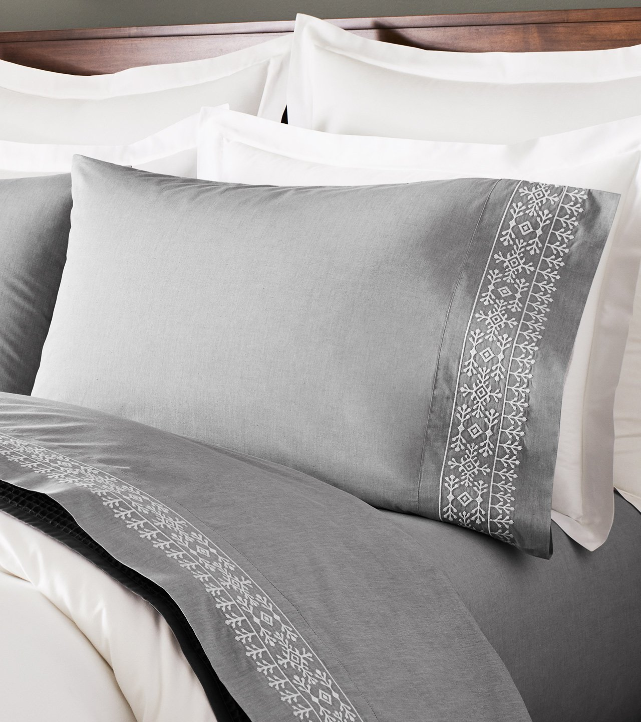 Chambray Embroidered Cottonfield Pillowcase Set | Boll & Branch ®