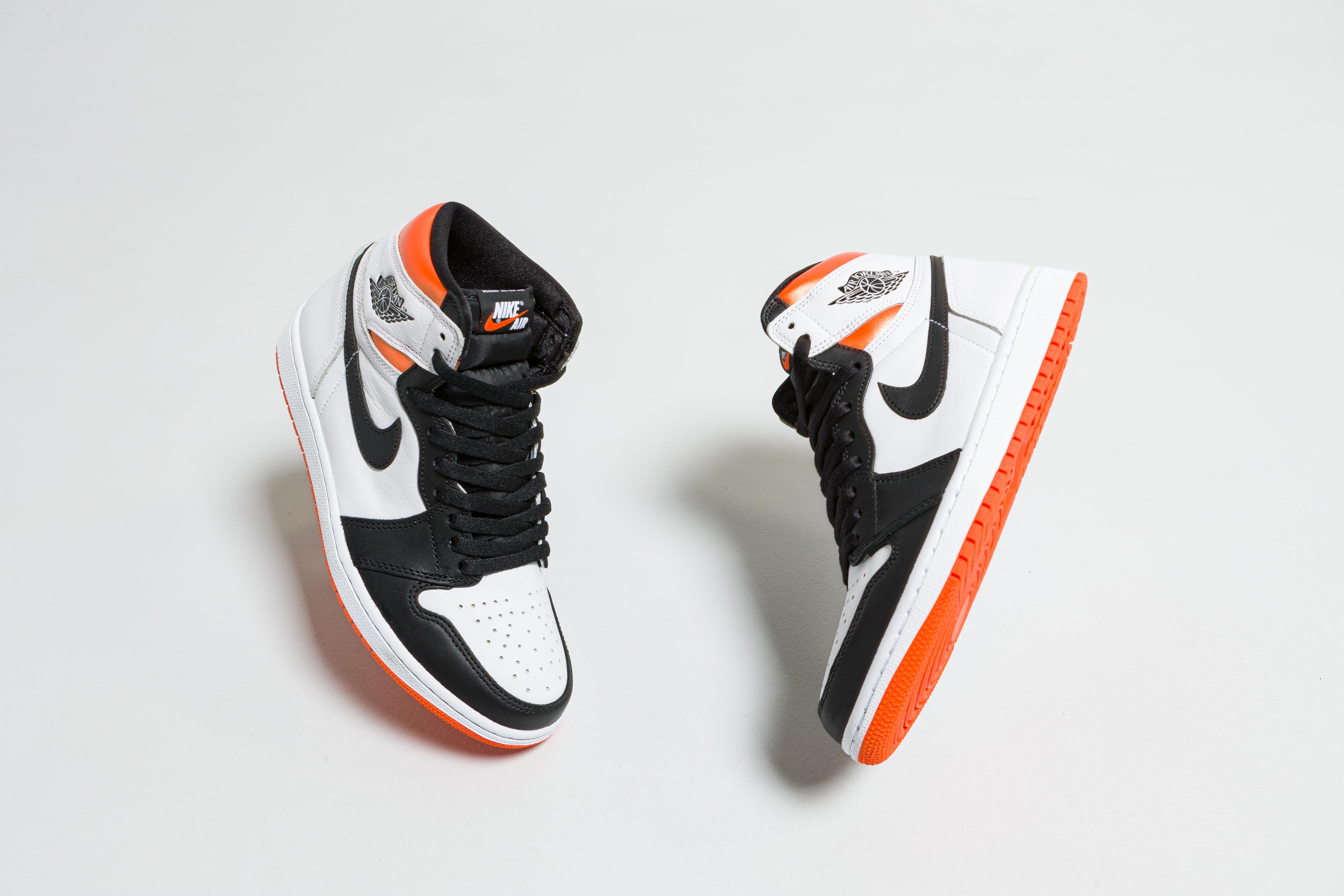 Jordan - Air Jordan 1 Retro High OG - White/Black-Electro Orange - Up There