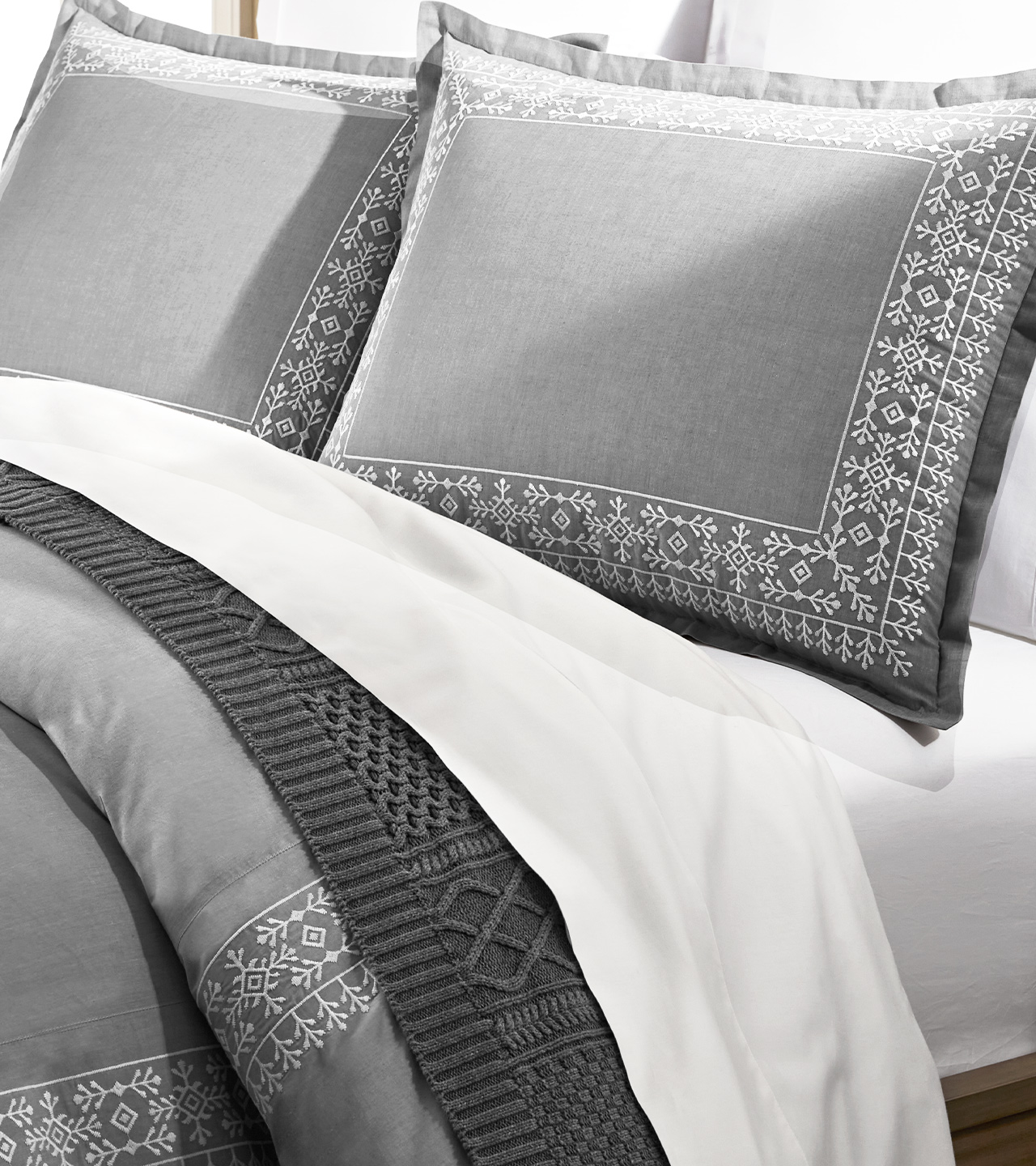 Chambray Embroidered Cottonfield Duvet Set   Boll & Branch ®