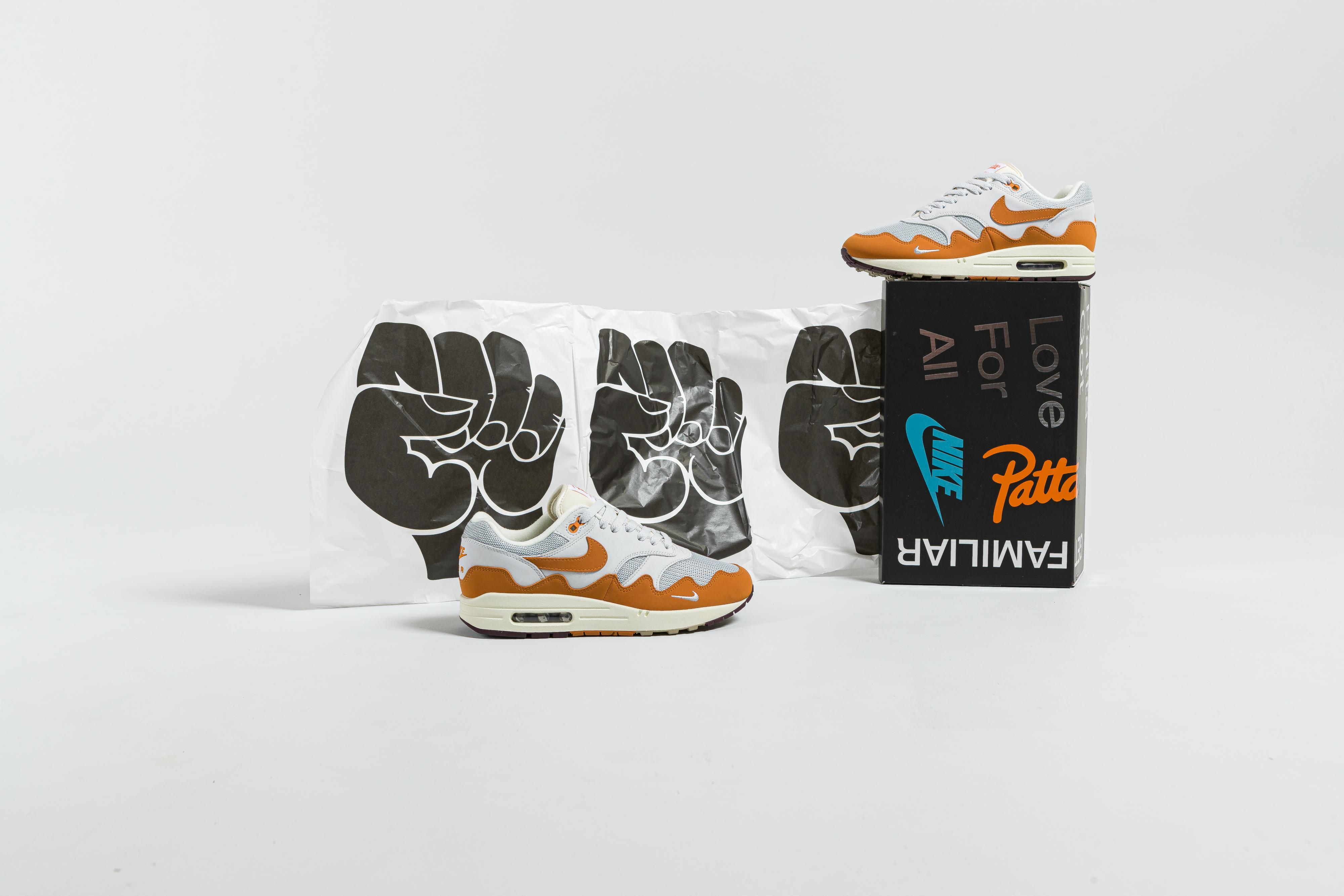 Nike - Air Max 1 x Patta - Metallic Silver/Monarch-Pure Platinum - Up There
