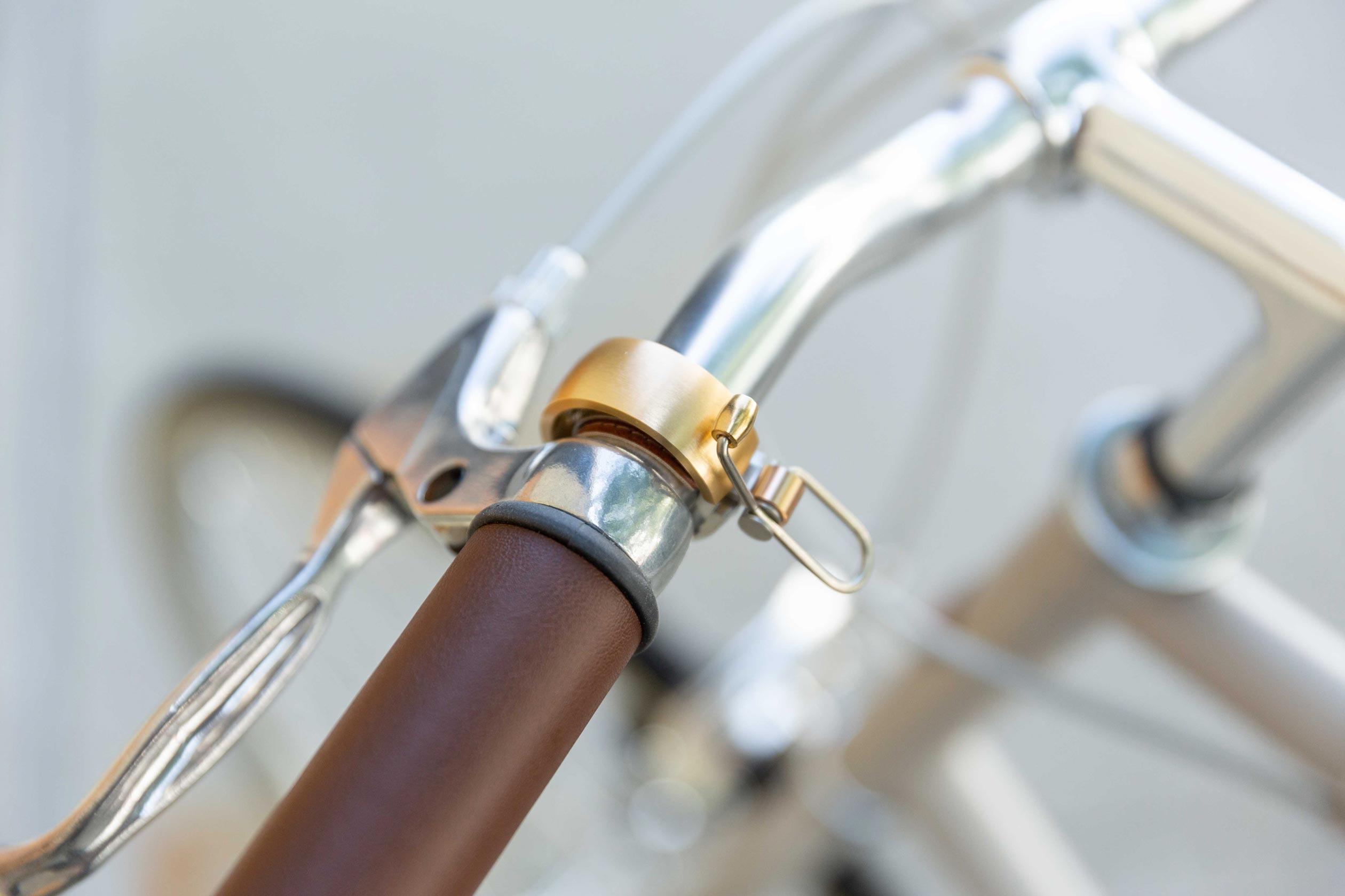 Oi Luxe Bell, Brass